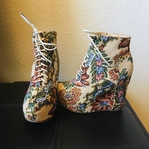 Boho Floral Lace Up Platform Shoes 7
